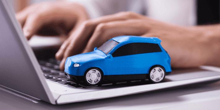 Passer par un comparateur d'assurance auto en ligne pour faire des économies