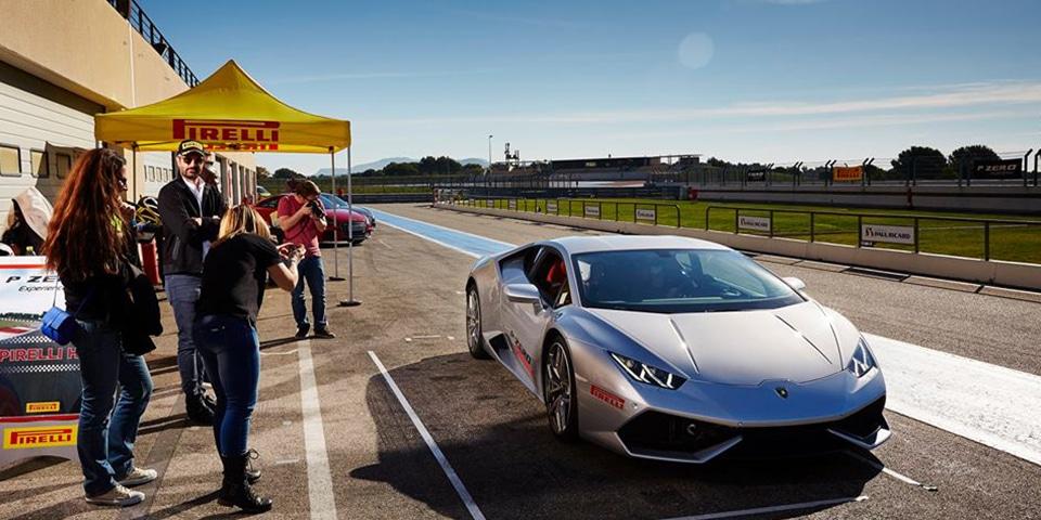 Lamborghini Huracan dans les stands