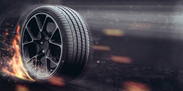 Test du meilleur pneu été performance 2019 par evo : des performances de pneus qui enflamment la route