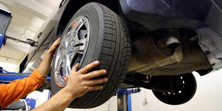 Montage pneu par professionnel