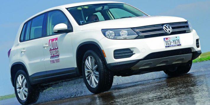 Test pneu SUV routier : Auto Express a comparé des pneumatiques adaptés aux SUV sur sol mouillé