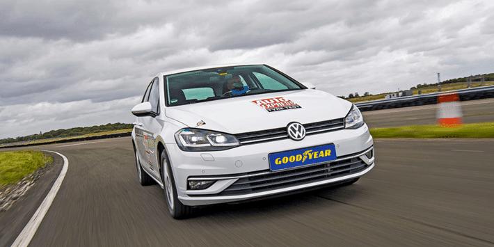 Meilleurs pneus été 2021 : test et comparatif de pneus par Auto Express