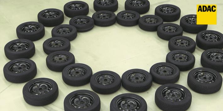 30 pneus été de deux dimensions ont été comparés par l'ADAC