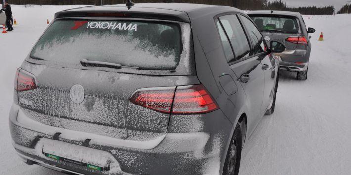 Test du pneu toutes saisons Yohohama BluEarth 4S AW21 sur neige et glace en Suède
