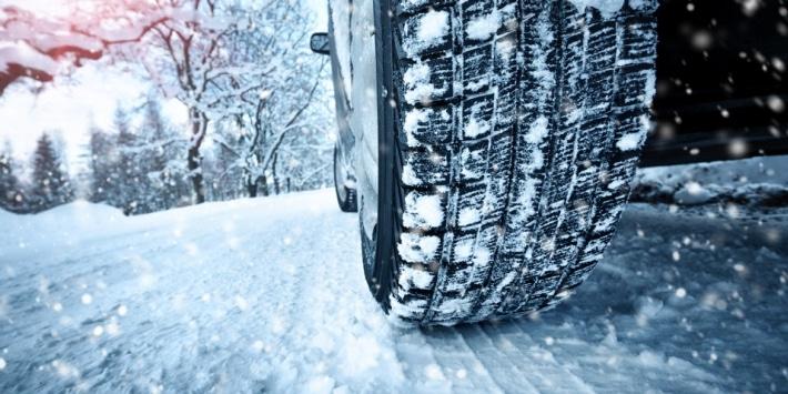 rezulteo vous aide dans le choix de vos pneus hiver parmi une sélection de produits adaptés et performants